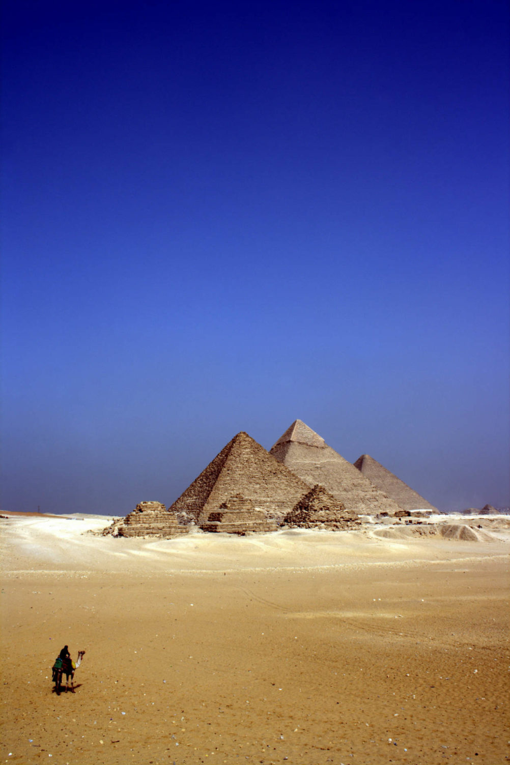 pyramids-ancient-egypt-travel-archaeology-ute-junker