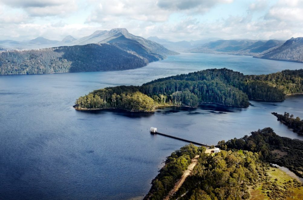 tasmania-wilderness-nature-luxury-Pumphouse-Point-Ute-Junker