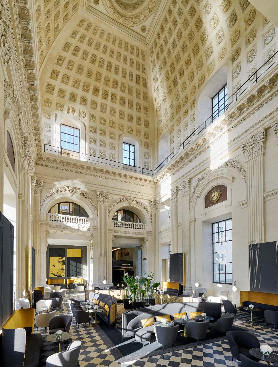 intercontinental-lyon-hotel-dieu-the-dome-bar-eric-cuvillier-ute-junker