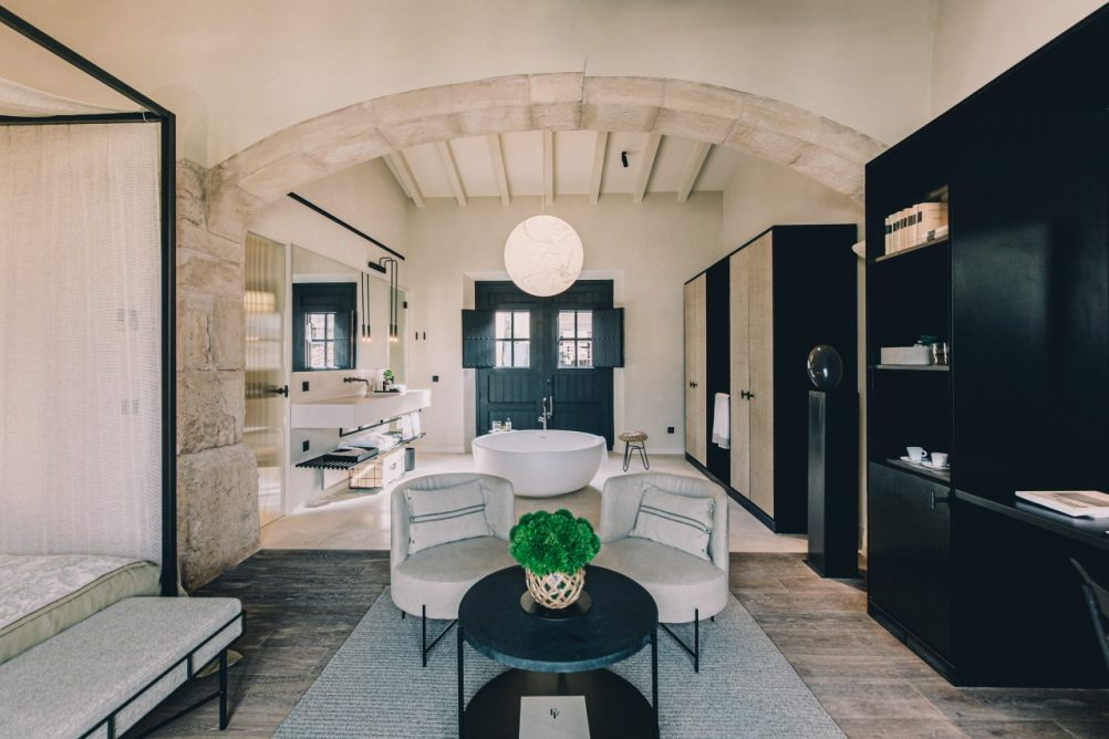 luxury-hotels-interiors-can-ferrereta-ute-junker