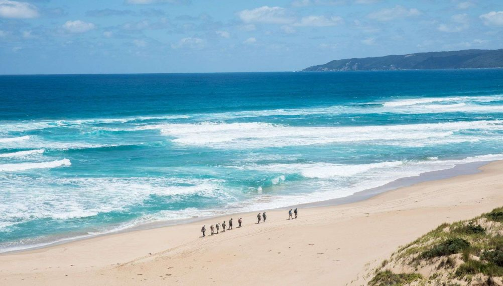 great-ocean-road-12-apostles-hike-ken-spence-ute-junker